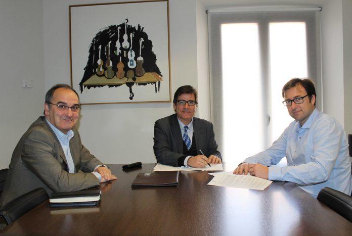Signatura conveni amb Castellví de Rosanes