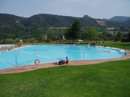 La piscina municipal d estiu obre el proper dilluns 8 de for Piscina martorell