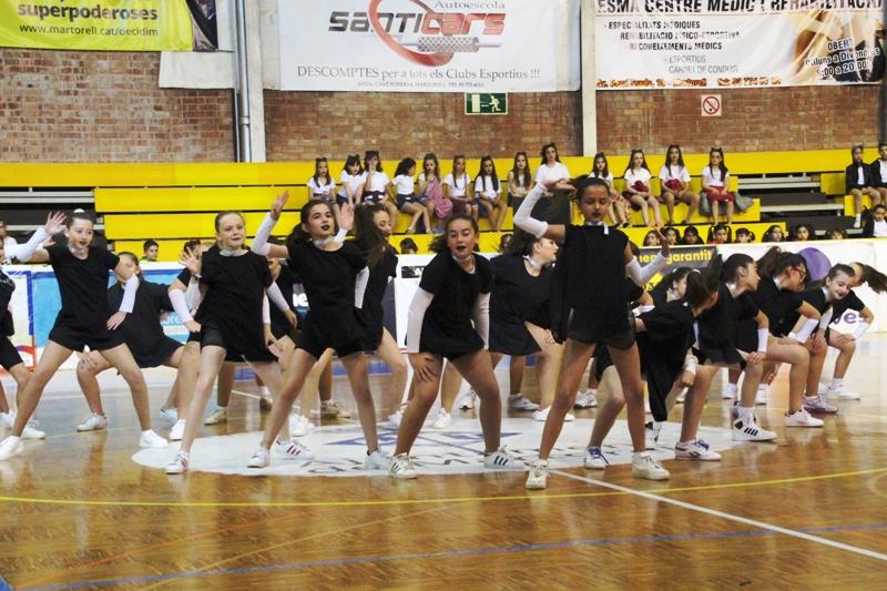 Un centenar d'escolars exhibeixen les coreografies apreses